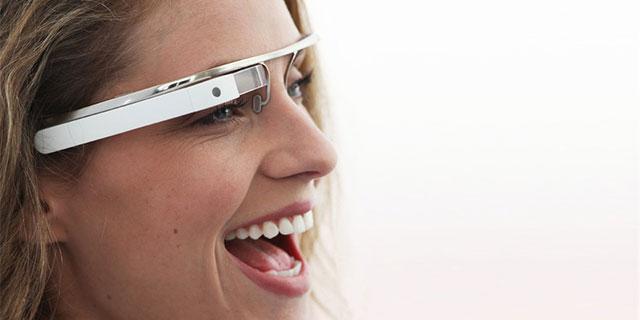 Google Glass überträgt Ton über den Schädelknochen